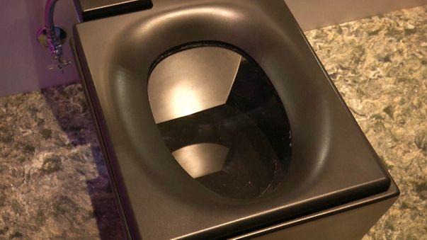 بالفيديو: المرحاض الذكي كل ما تحلم به لراحتك