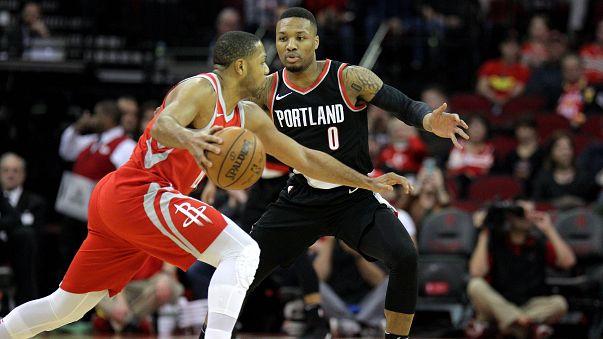 NBA: i Rockets volano, grazie a Chris Paul