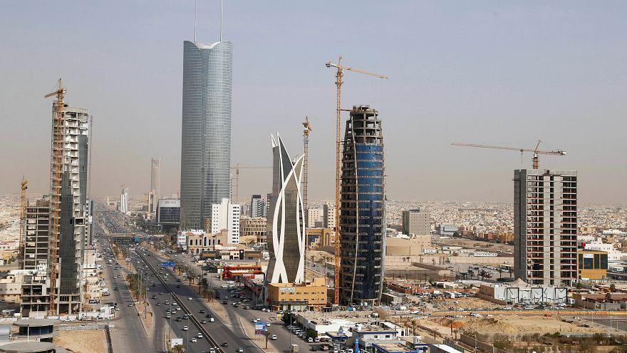 مبان قيد الإنشاء في العاصمة الرياض