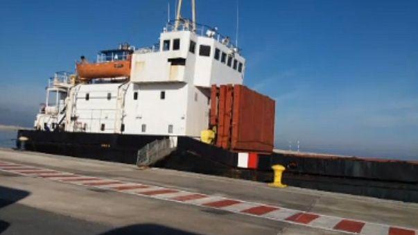 یونان یک کشتی حامل مواد منفجره به مقصد لیبی را توقیف کرد