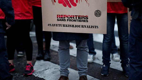 """Les """"voeux"""" de soutien aux journalistes turcs"""