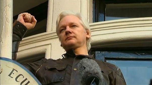 Ecuador grants citizenship to WikiLeaks founder Julian Assange
