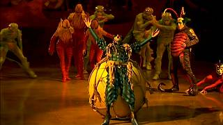 """Farbenfrohe Insekten und ein Ei - Cirque du Soleil mit """"OVO"""" in London"""