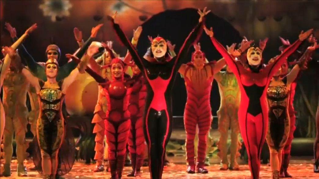 """Cirque du Soleil põe """"ovo"""" em Londres"""