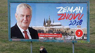 Στις κάλπες οι Τσέχοι για την εκλογή νέου προέδρου
