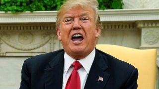 """Trump se defiende y dice que no llamó """"agujeros de mierda"""" a Haití y El Salvador"""