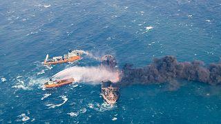 Mer de Chine : le pétrolier est toujours en feu