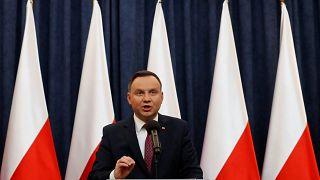 Κριτική από τον πρόεδρο της Πολωνίας στην ΕΕ - Διάλογος από τον πρωθυπουργό