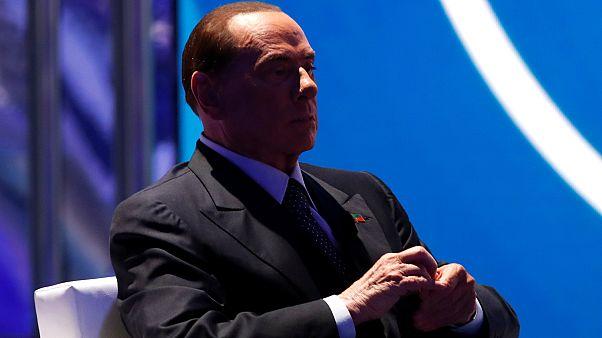 Berlusconi: Ben kadınları değil onlar beni tahrik ediyor