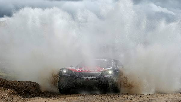 Dakar: ingresso trionfale di Carlos Sainz in Bolivia