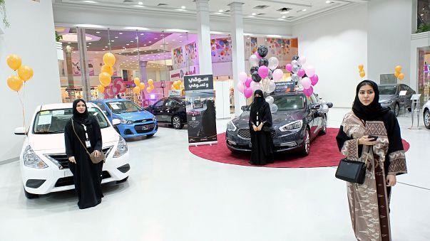 Primeiro salão automóvel para mulheres na Arábia Saudita