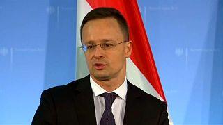 Szijjártó: elfogadhatatlan a román kormányfő kijelentése