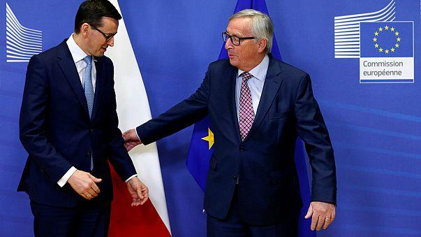 Juncker: Türkiye gazetecileri hapiste tuttukça AB üyeliği ilerlemez