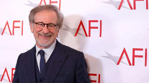 """Spielberg: Assédio sexual """"é provavelmente um problema mundial"""""""