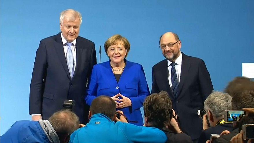 Almanya'da büyük koalisyon için ilk adım atıldı