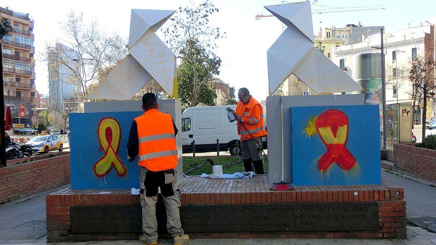 """""""Puigdemont debería volver a Cataluña"""" guerra de pintadas y opiniones encontradas"""