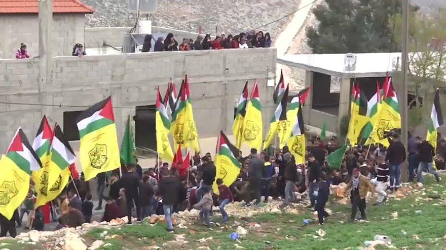 جانب من تشييع الشاب علي عمر كينو في نابلس بالضفة الغربية