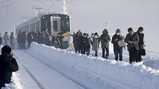 Zug-Passagiere stecken 15 Stunden in Schneeverwehung