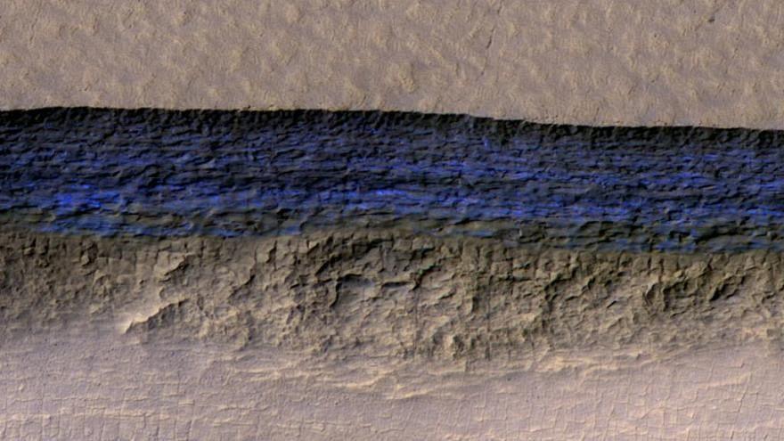 Tiszta jeget találtak a Marson