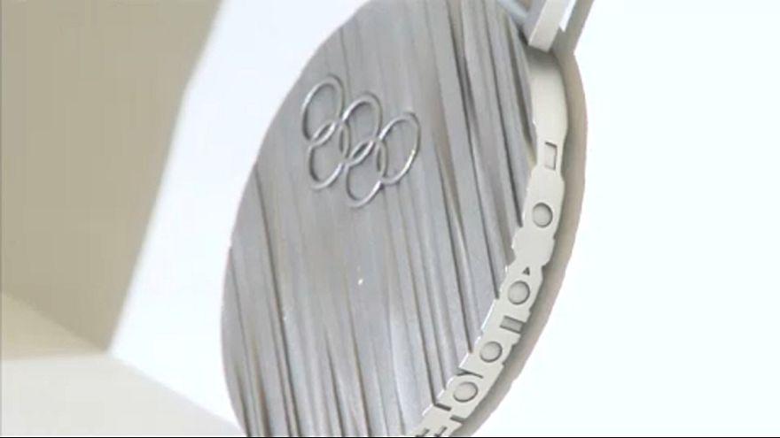 Bemutatták a téli olimpia érmeit