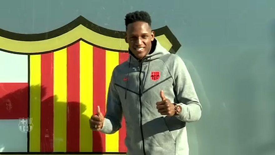 Kolumbiai védőt igazolt a Barcelona