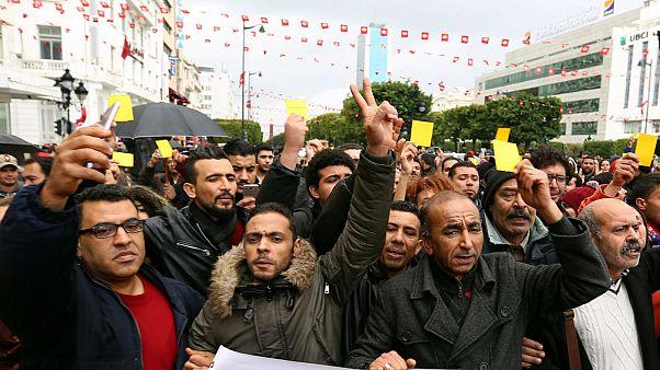 تونس؛ کارت زرد معترضان به دولت دو روز مانده به سالگرد انقلاب
