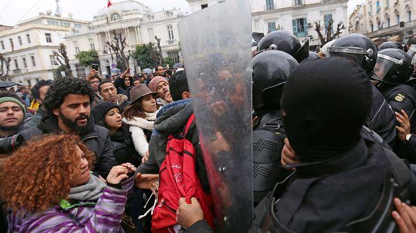 Τυνησία: Κλιμακώνεται η ένταση και οι διαδηλώσεις κατά της λιτότητας