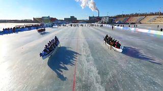 Course de bateaux sur glace