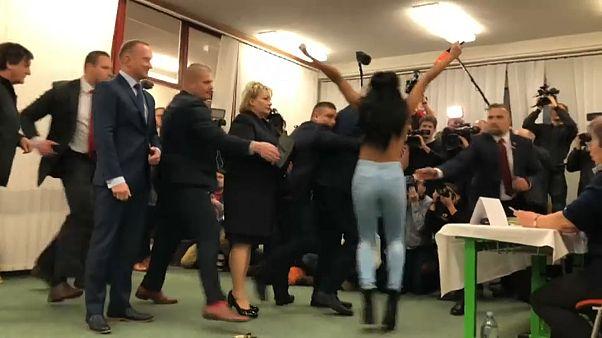 Çekya'da Cumhurbaşkanlığı Seçimi'ne Femen damgası