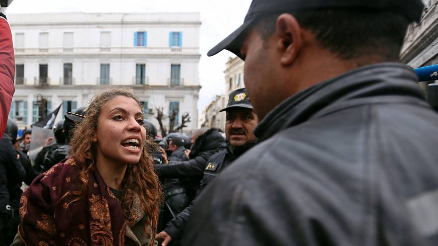 2000 wütende Demonstranten in Tunis