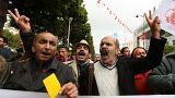 Tunisia, la manifestazione del cartellino giallo