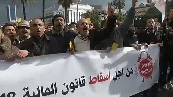Folytatódtak a tüntetések Tunéziában