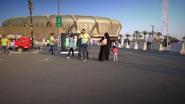 Riad: donne allo stadio per la prima volta, prima era vietato
