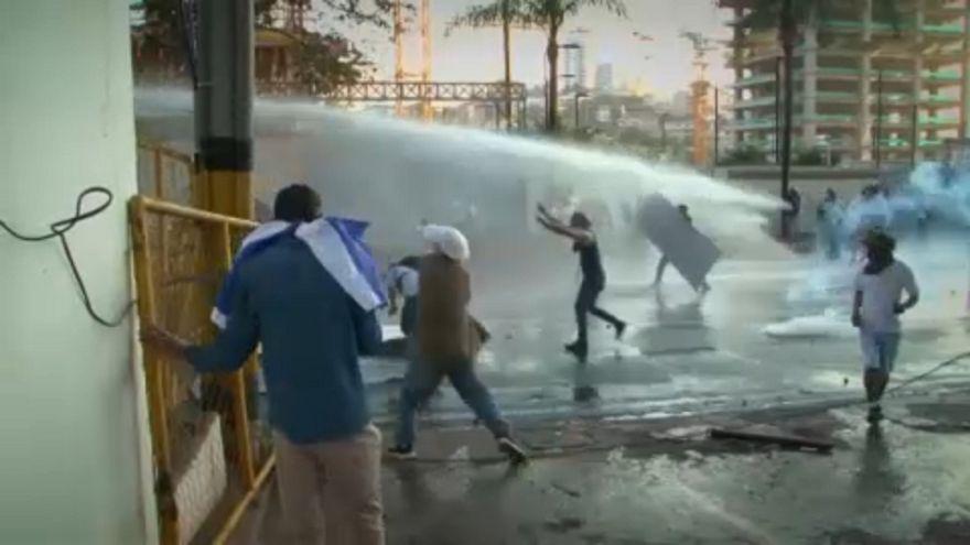 Nem adja fel az ellenzék Hondurasban