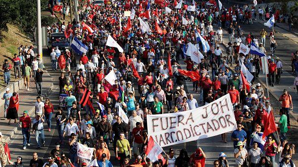 """""""Fuori Hernandez"""": Honduras verso lo sciopero generale"""