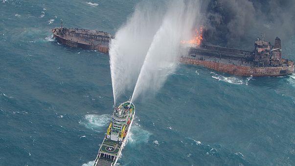Petroliera iraniana in fiamme: recuperati due corpi