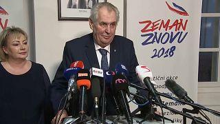 Милош Земан выиграл первый тур