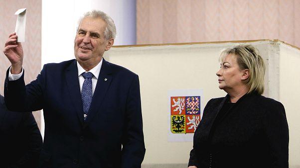Çek Cumhuriyeti'nde halk sandık başına gitti