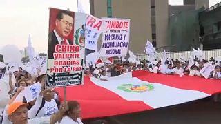 Fujimori mellett is tüntetnek Peruban