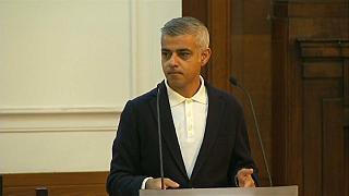 Gritos a favor de Trump y el Brexit en un discurso del alcalde de Londres