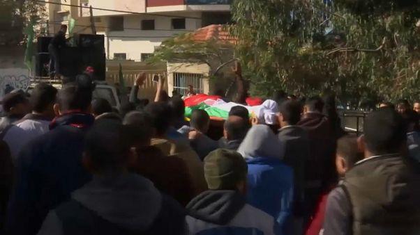 Mısır güçleri tarafından vurulan Gazzeli balıkçı defnedildi