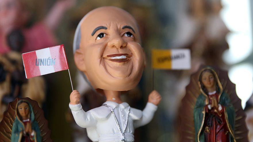 Le pape argentin François entame lundi un voyage délicat au Pérou et au Chili