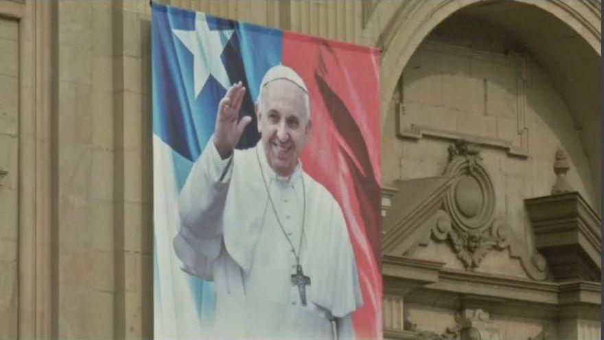 Il difficile viaggio di Papa Francesco in Cile e Perù