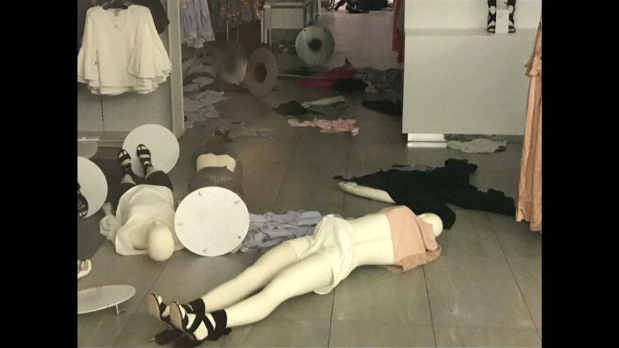 Irkçılıkla suçlanan H&M mağazalarına saldırı düzenlendi