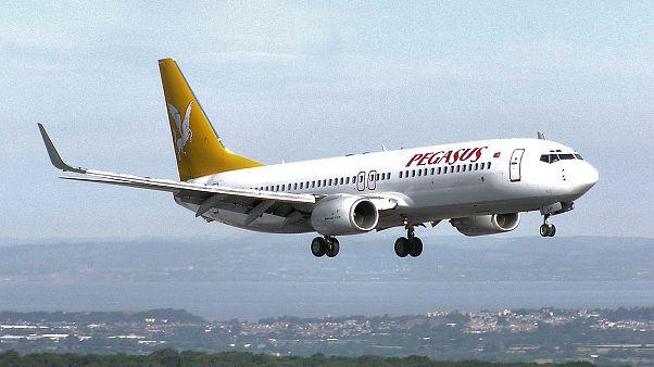 Avião sai da pista durante aterragem no noroeste da Turquia