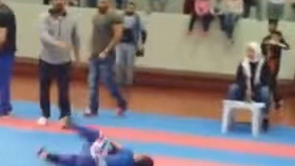 بالفيديو: الاعتداء على طفل مصري بسبب فوزه بمسابقة للكارتيه في الكويت