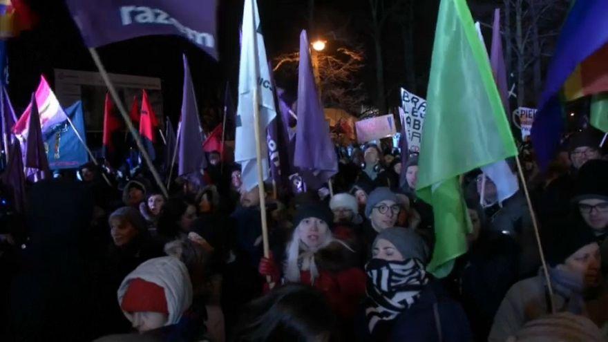 Protestas en Polonia contra la restricción del aborto