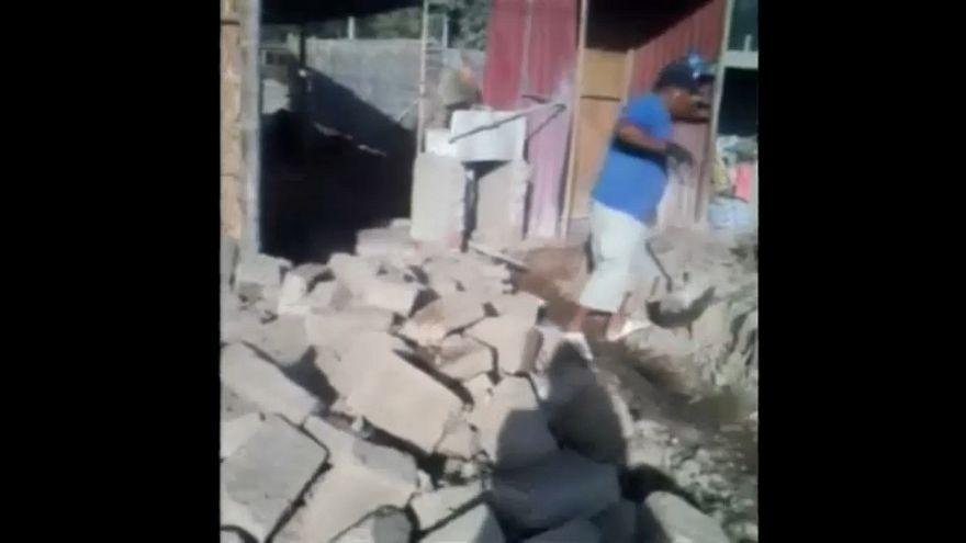 Un fuerte terremoto sacude la costa de Perú