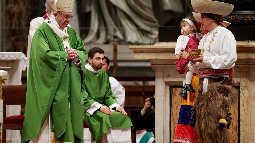 Papa pede que se aceitem os migrantes e refugiados