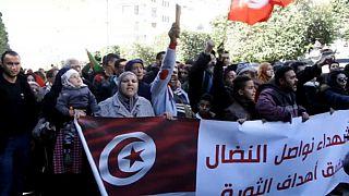 Tunisia: Anniversario della rivoluzione tra le proteste di piazza